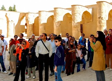 Parliament to Address Demands of Tour Guides