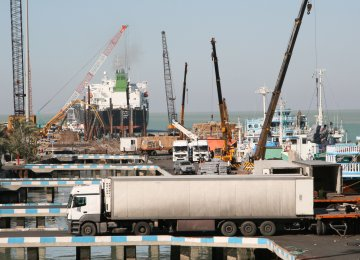 Iran's Cargo Transit Capacity Fivefold Higher Than Actual Transfer