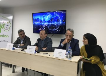 Businesses Turn to Smart Solutions to Weather Sanctions, Improve Efficiency