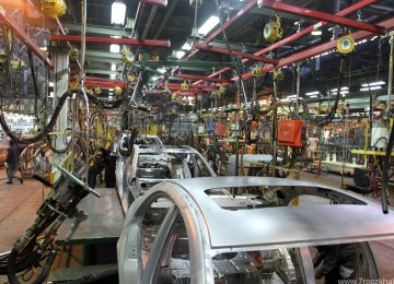 Iran Auto Output Down 32.5%