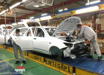 Iranian Carmakers' Double-Pronged Strategy for Boosting Production