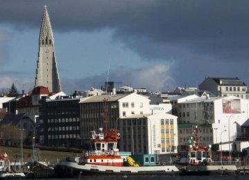 Iceland Drops EU Bid