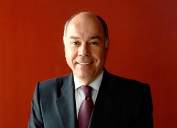 Brazil FM to Build Closer Ties