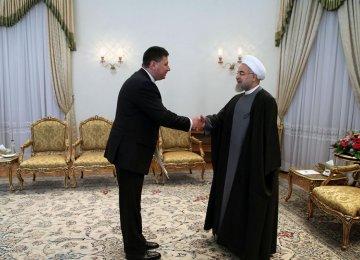 President Receives New Envoys
