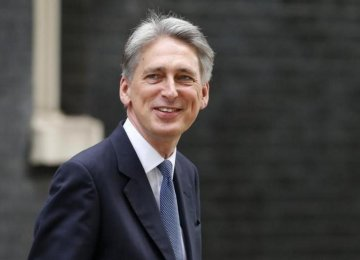 UK Urges Iran to Cooperate in Fight on IS