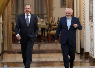 Zarif Confers With Russian, Chilean FMs