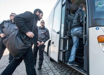 Bavaria Mayor Sends Refugees to Merkel