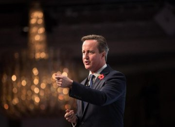 Cameron Woos Polish, Danish Leaders Over EU Reforms
