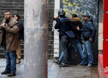 Man in Fake Explosives Vest Killed in Paris