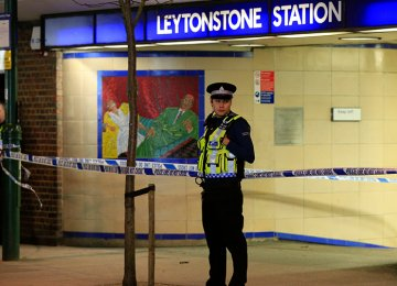 Man Knifed in London Metro