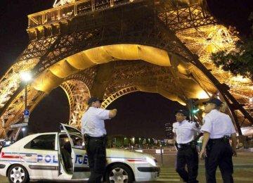 Paris Police Attacker Lived in German Refugee Shelter