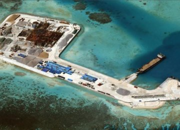 Obama Calls for Stopping S. China Sea Reclamation