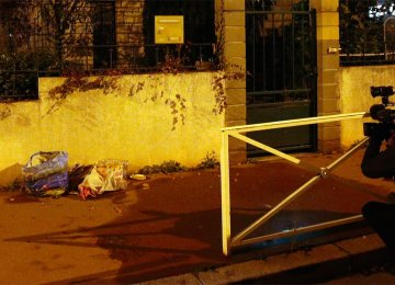 Suspect Quizzed in Paris, Suicide Vest Found