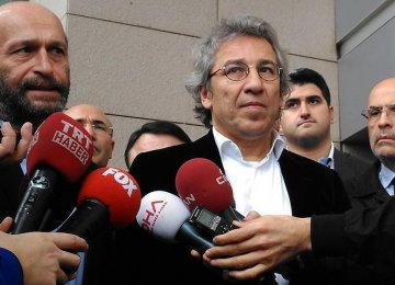 Turkey Journalists Freed From Prison