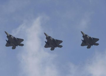 US F-22 Jets Fly Over S. Korea Amid N. Korea Standoff