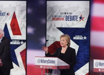 Clinton Attacked Over Iraq War in Democratic Debate