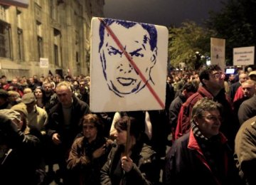 Hungarians Protest Corruption