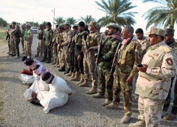 Car Bomb Kills 14 in Iraq