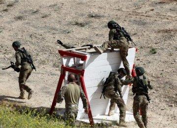 Policeman Kills 2 Americans, 1 S. African  in Jordan