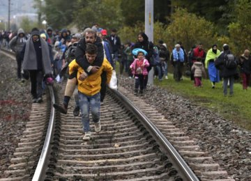 UN Experts: Force Won't Stop Migrants