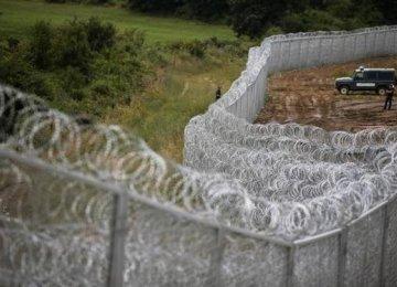 Balkan States Threaten  Border Closures Over Migrant Crisis
