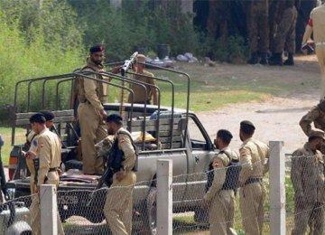 Gunmen Kidnap Pakistani Police