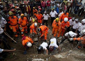 Pakistan Landslide  Kills 13