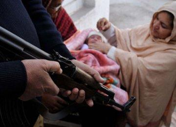 Pakistan Militants Kill 4 Polio Workers