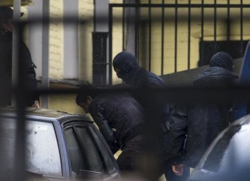 Russia Arrests 2 More Over Nemtsov Murder