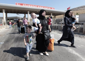 Turkey Hosts 1.37m Syrian Refugees