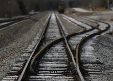 Train Derails in US, Oil spills Into River