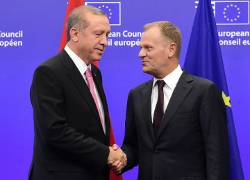 EU, Turkey Try to Hammer  Out Migrant Crisis Plan