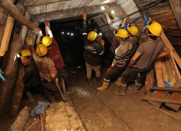 Ukraine Mine Blast Kills 30