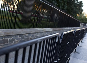 New Fence for White House After Intrusion