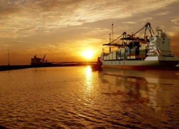Exporters Wait for Gov't Action