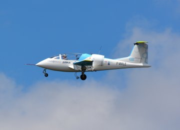 1st Battery-Powered Planes Make Historic Flight