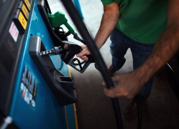 Gasoline Prices Flat Until March 2016