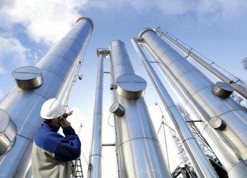 India to  Discuss  Oil Deals  in Tehran