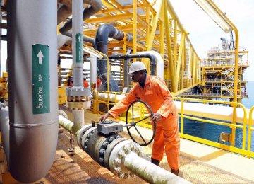 Talks With Algeria to Stem Oil Price Slide