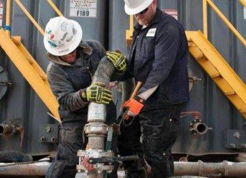 Saudi Crude Exports Slip