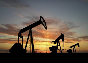 US Ousts Russia as Top Oil, Gas Producer