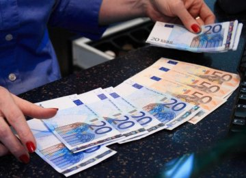 Bureaux de Change Urged to Comply With New Regulations