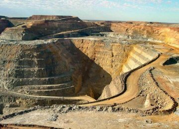 Iran Offers Mining Riches Amid Global Slump