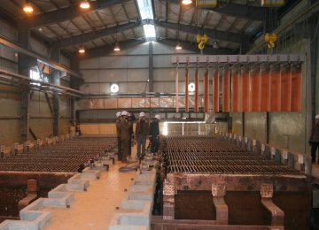 Copper Cathode Output Near 400,000 Tons