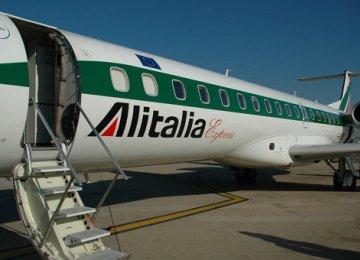 Alitalia to Lay Off Employees
