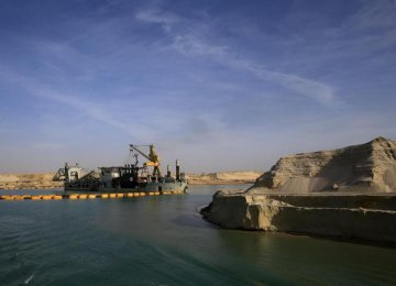 Egyptians Race to Expand Suez Canal