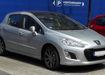 Peugeot Posts 1st Profit in 3 Years