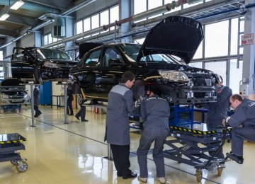 Russia's Carmakers Begin Layoffs