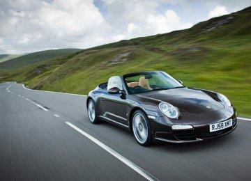 Porsche to Offer Hybrids Across Model Range