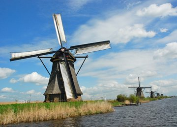 Dutch  Growth Slow